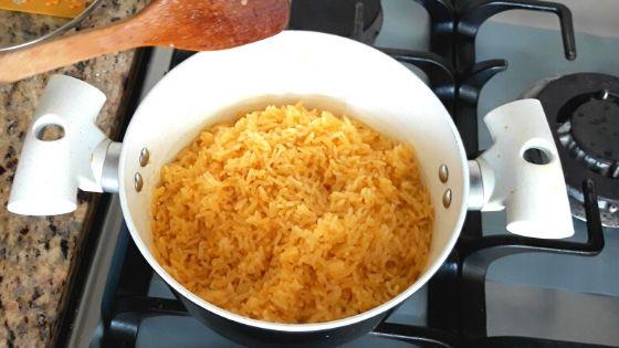 arroz amarillo con achiote